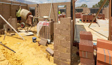 the-bricklayer-starts-pic-3