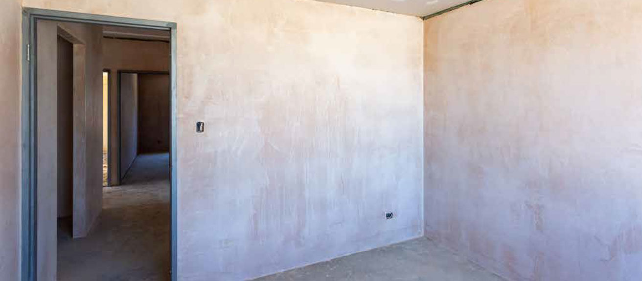 the-final-plaster-coat-for-the-walls-the-set-coat-pic-1