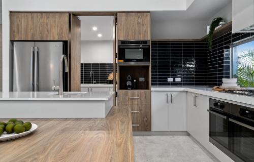 SB - Kitchen