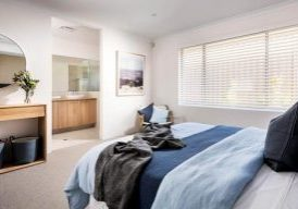 The-Southsea-master-bedroom-4728259-7469920.